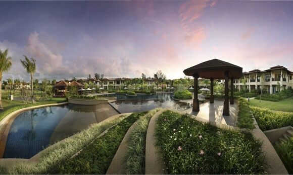 Outrigger Laguna Phuket Resort & Villas 1